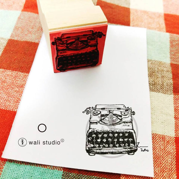 Wali Studio Typewriter Stamp | 打字機印章