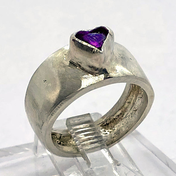 Amethyst Heart Ring Band