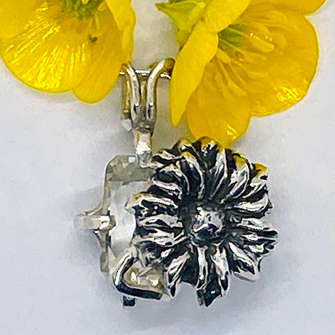Birth Month Flower Pendant - April