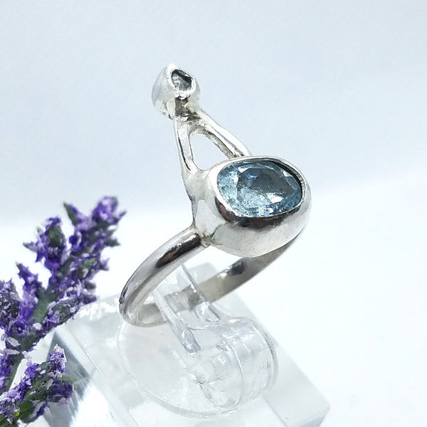 Sleek Aquamarine & Rough Diamond Ring