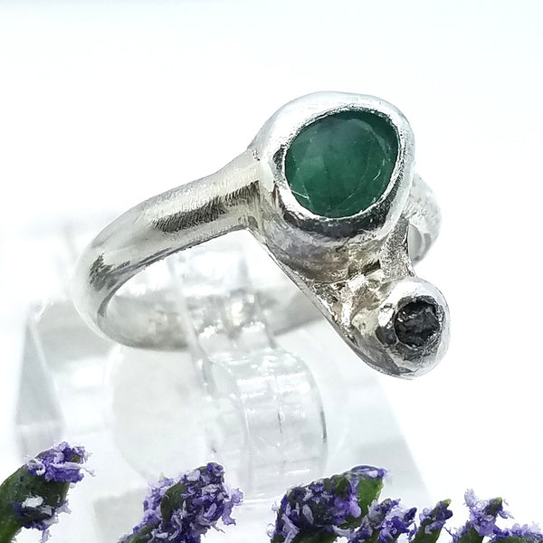 Sleek Emerald & Black Rough Diamond Ring