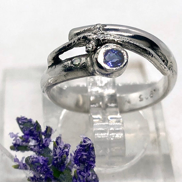 Iolite Branches Ring Band