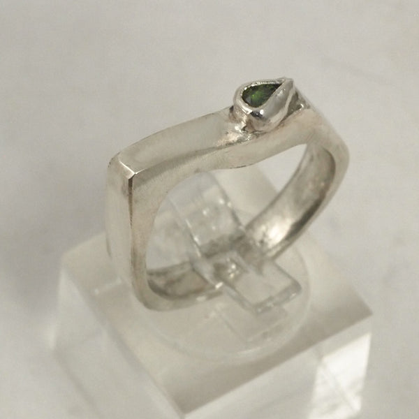 Edge Green Tourmaline Ring