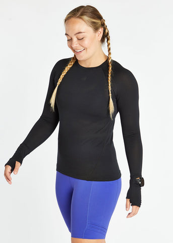 Oiselle Flyout Long Sleeve | Black/Black