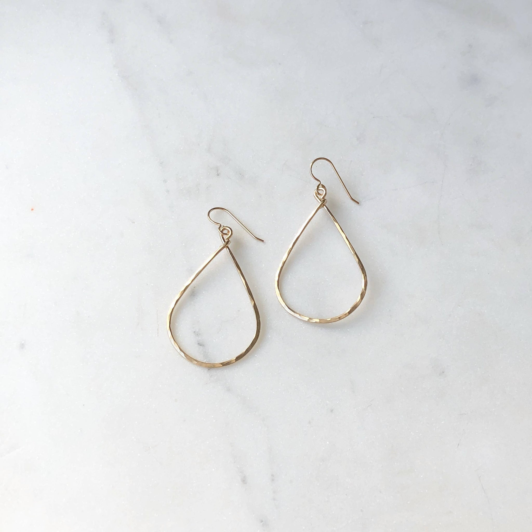 Token Jewelry - Essential Hoops Rose Gold
