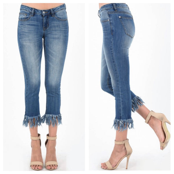 Denim capri w fringe (reg & plus)