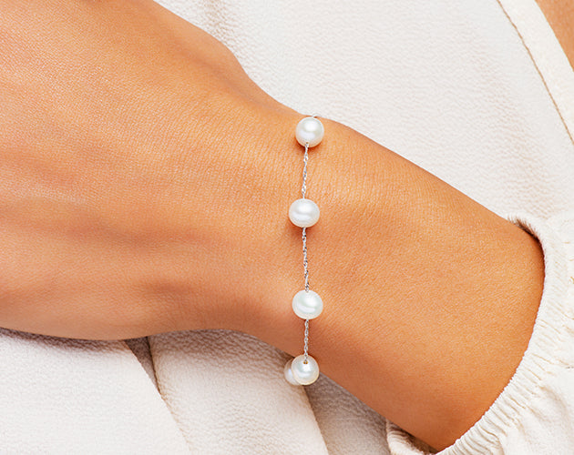 14k White Gold and White Freshwater Pearl Station Bracelet