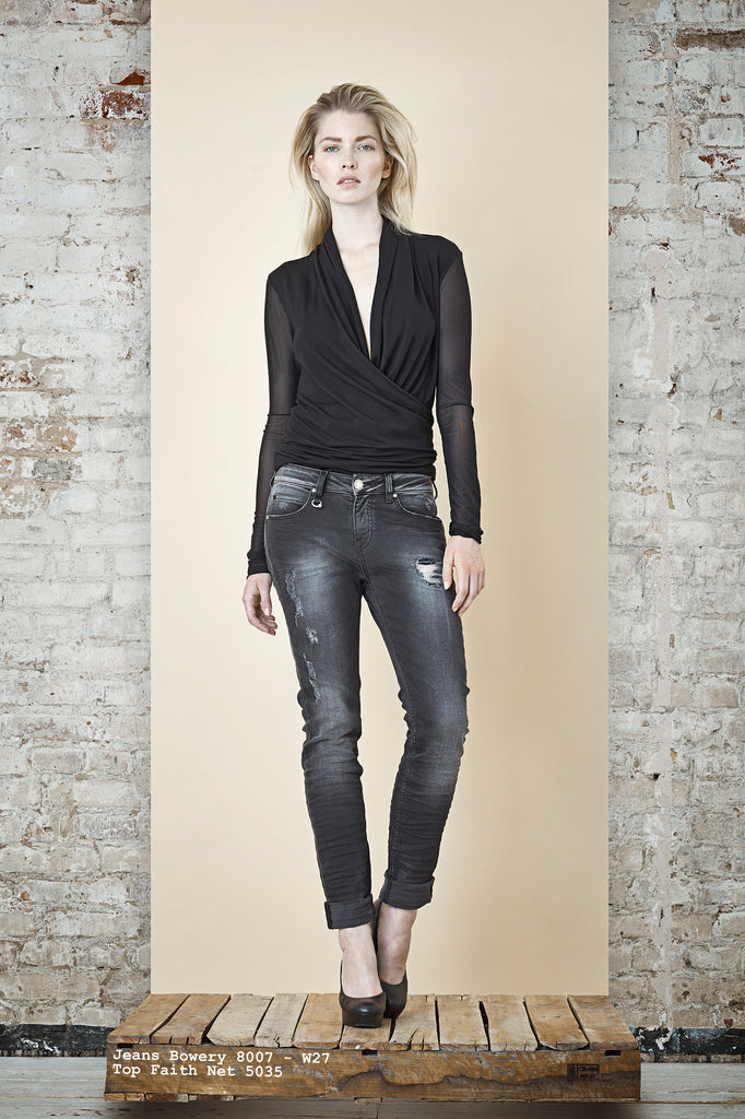 NORDENFELDT Jeans Bowery dark grey, Top Faith Net black