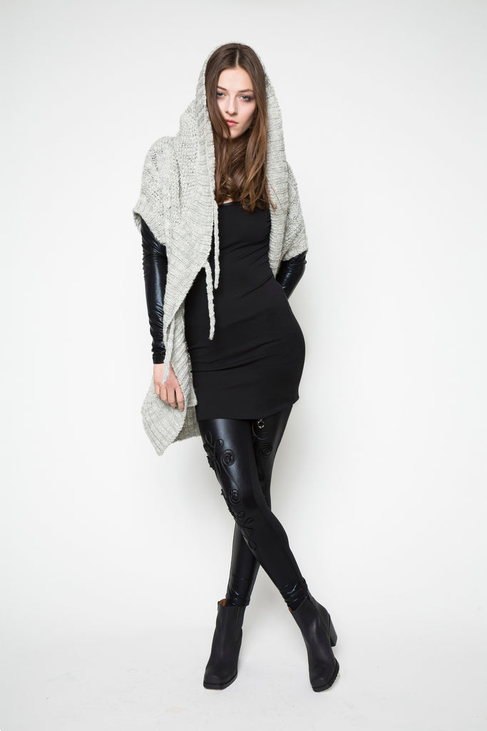 NORDENFELDT Top Moon black Leggings Elina black shiny bordure Knit Cardigan Abby grey hood