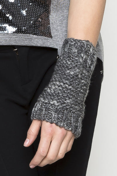 NORDENFELDT Finn, knitted cuffs with thumb hole in dark grey, 100% Wool
