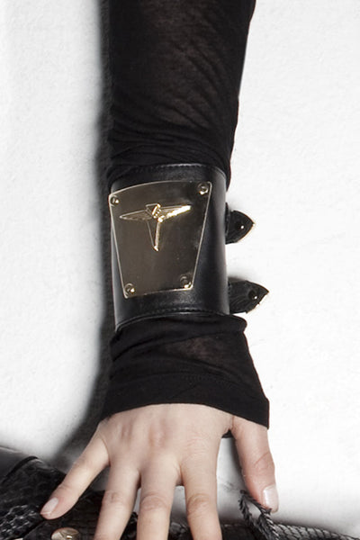 NORDENFELDT Wristlet Auro, leather wristlet in black with Logo metal-plate and buckles, worn by Tarja Turunen