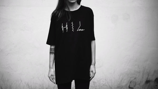 HEL N° 8 | Black Tee | 100% Organic Cotton
