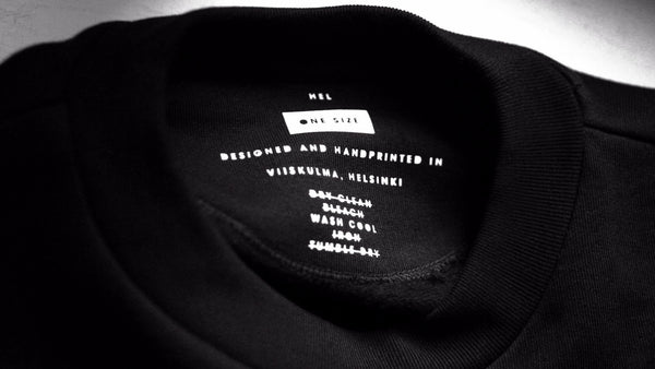 HEL N° 7 | Black Cropped Sweatshirt | 100% Organic Cotton