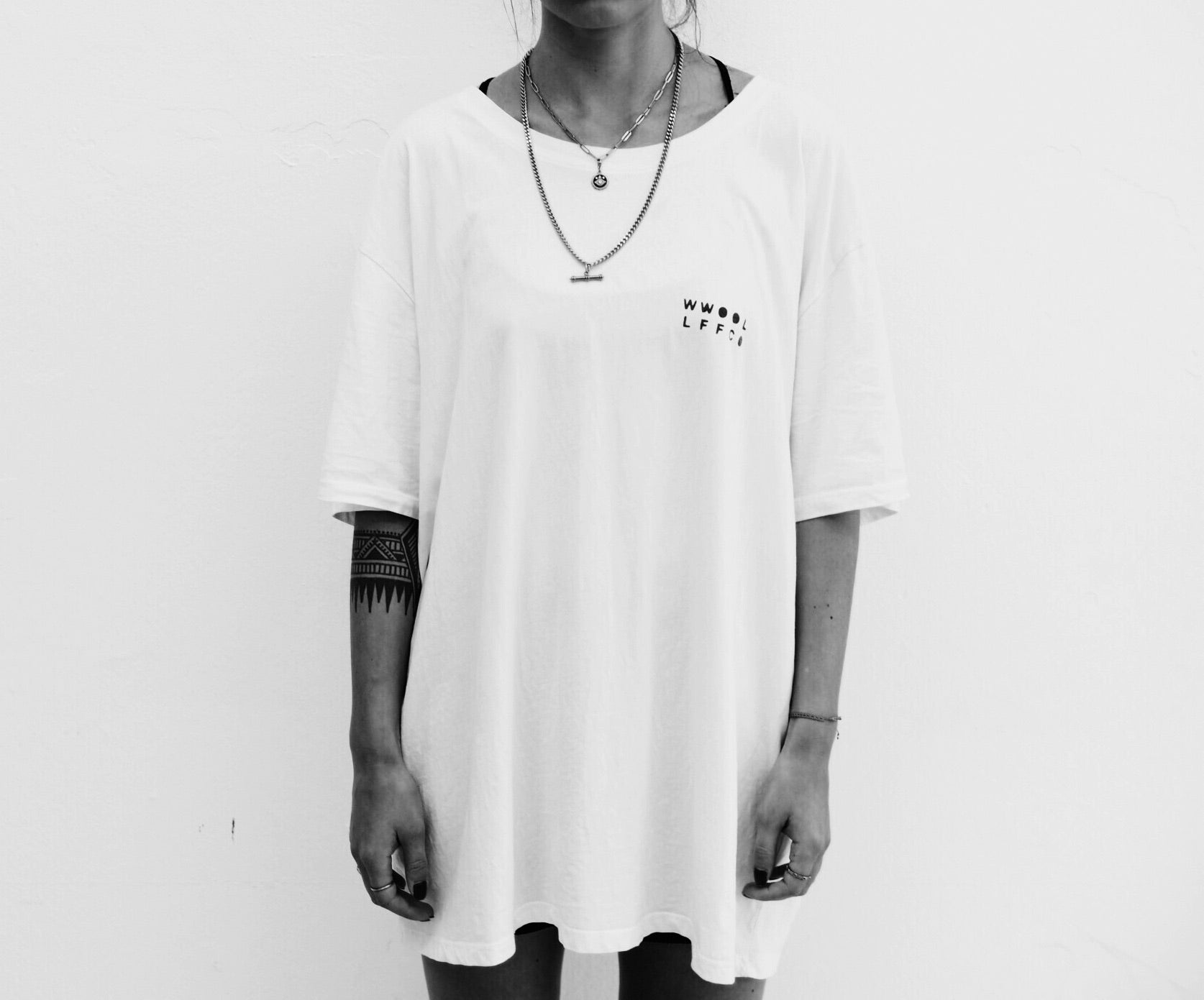 W | Oversized Off-White Tee