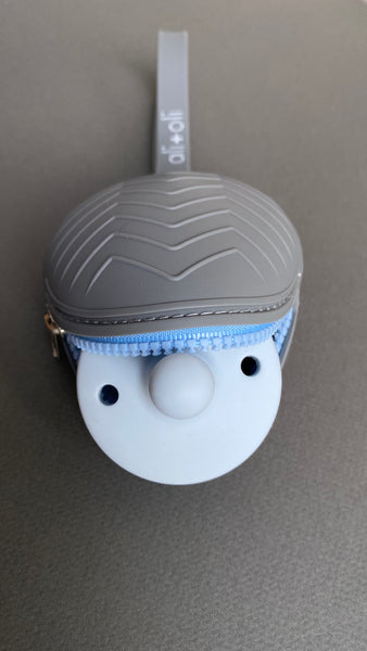 Ali+Oli Pacifier Case (Grey)
