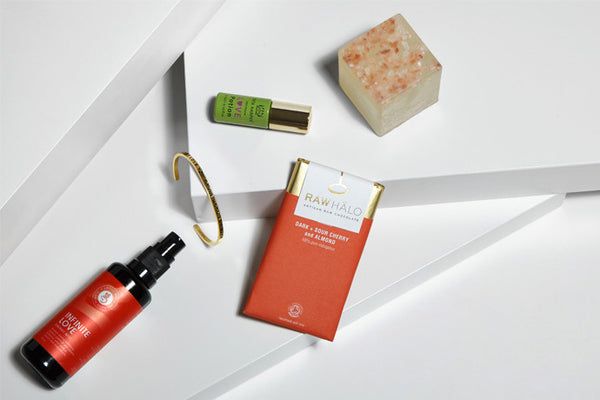 /blogs/content-magazine-organic-skin-care/get-the-guide-love-inspired-gifts