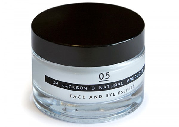 05-Face-and-Eye-Essence-50ml-on-White-(RGB)