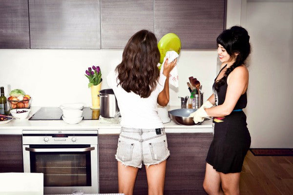 HEMSLEYHEMSLEY_washing up_03