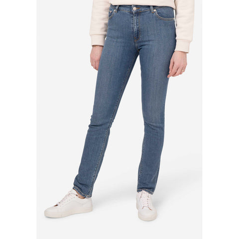 Mud Jeans Regular Swan | Organic Cotton | Instore & Online | Content UK