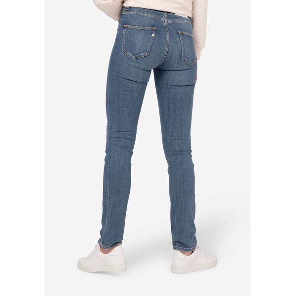 Mud Jeans Regular Swan | Eco-Friendly Jeans | Instore & Online | Content UK