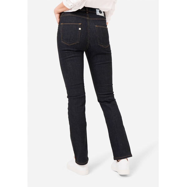 MUD Jeans Regular Swan | Organic Cotton Jeans | Instore & Online | Content UK