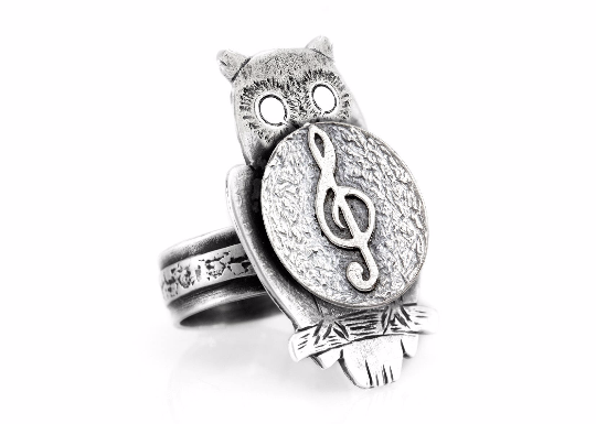 coin ring with the Treble Clef coin medallion on owl musical ring Noa Tam coin jewelry
