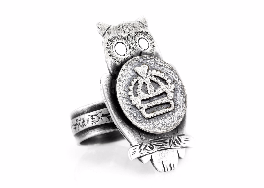 Coin ring with the Crown coin medallion on owl Noa Tam coin jewelry owl jewelry