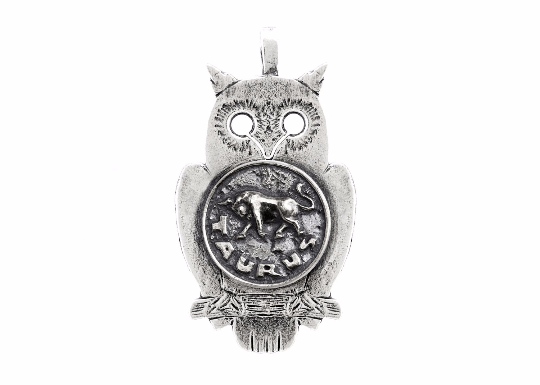 Medallion necklace with the Taurus medallion of The Zodiac Noa Tam horoscope jewelry line of zodiac necklace