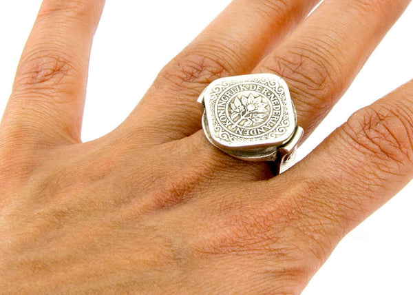 Coin ring with the 5 Cent coin of Netherlands