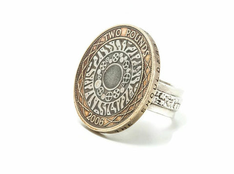 British Coin Ring feauring the Two Pounds Coin of England