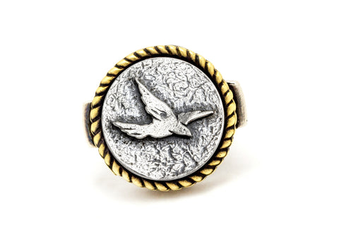 Coin ring with the bird coin medallion