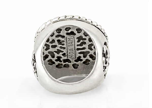 coin ring with the Shema Yisrael medallion on fleur de lis ring