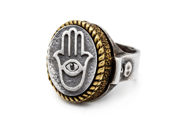 An amazing coin ring with the Chamsa coin medallion