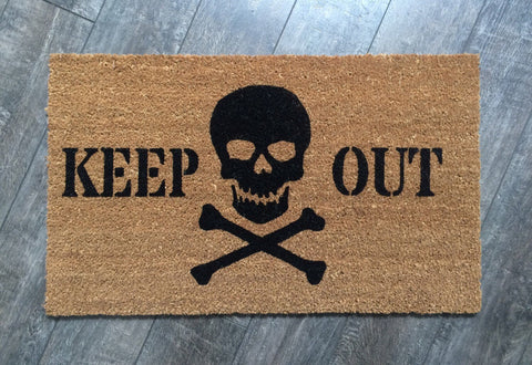Skull and Cross Bones Halloween doormat. Hand painted, customizable outdoor welcome mat. - Nickel and Birch