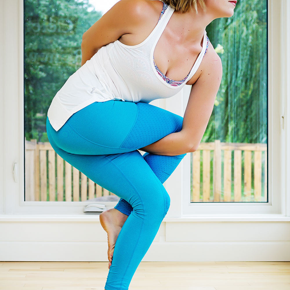Tonic Active Tribe Member Jenna Switzer White Tank Blue Legging