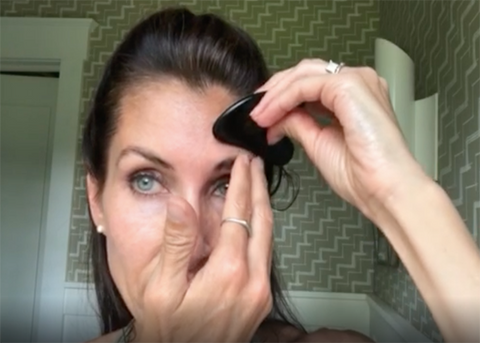 How to Use a Gua Sha Scraping Tool