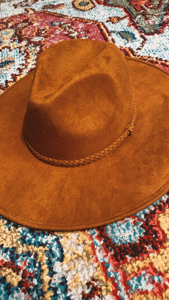suede hat with beaded brim [camel]