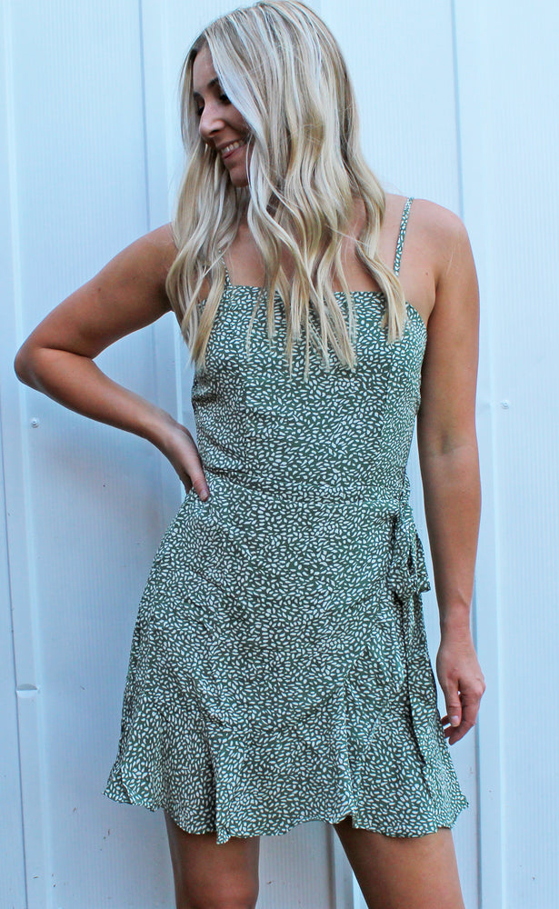 restock! catch feelings wrap dress [green]