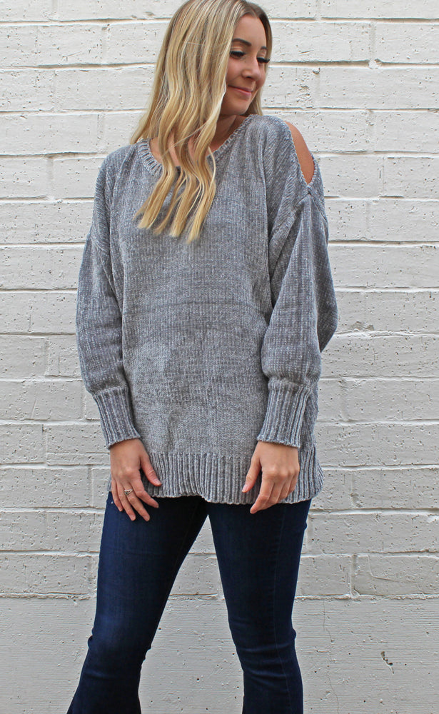 the comfy cold shoulder [gray]