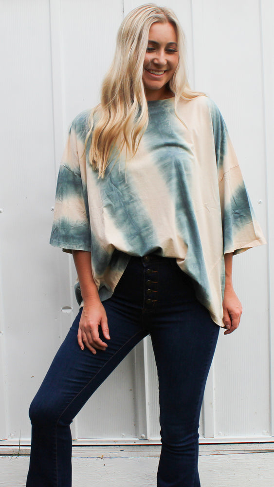 lounging in LA top [white/teal] - Grace and Edge Boutique