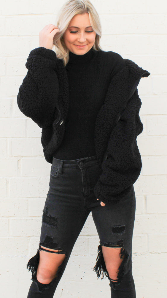 wrapped up in warmth [black]