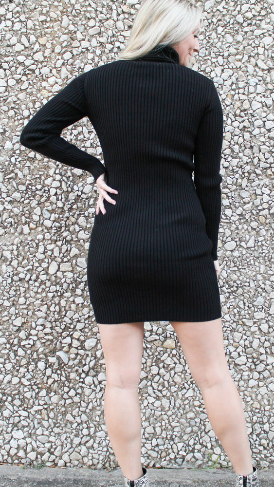 under the mistletoe sweater dress [black]
