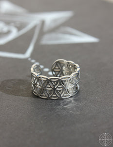 "Sacred Geo Ring - Flower of Life ""Silver"" - Earth's Elements"