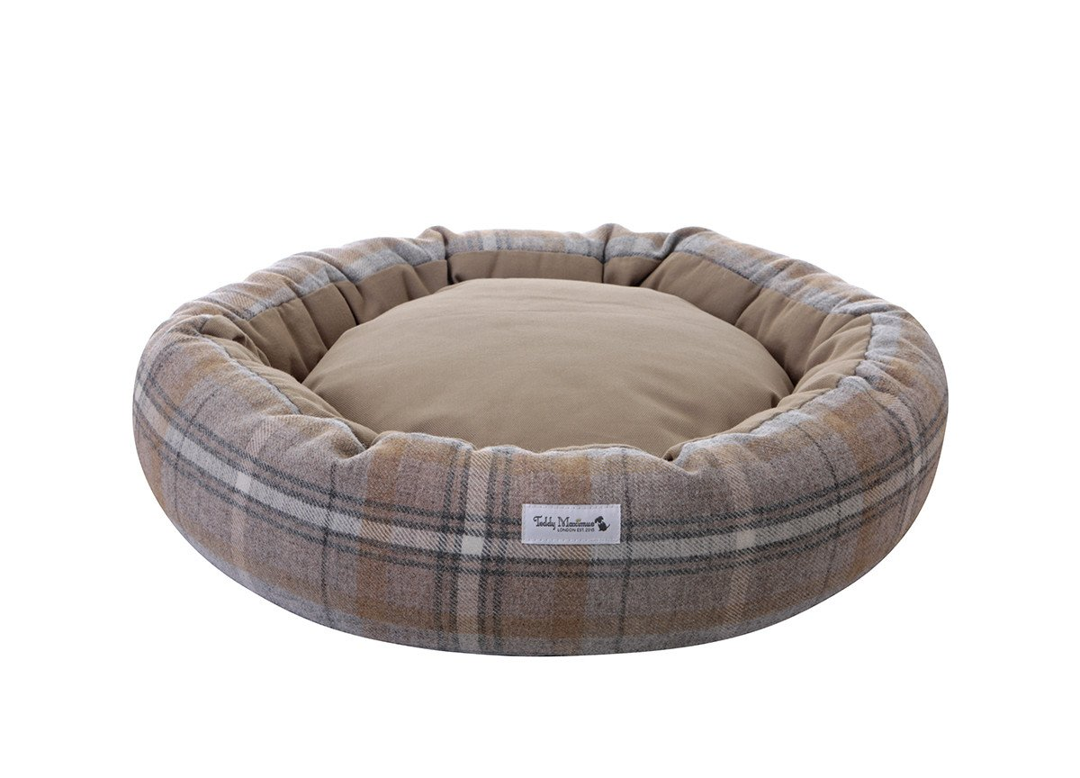 Sand Shetland Wool Cocoon Dog Bed