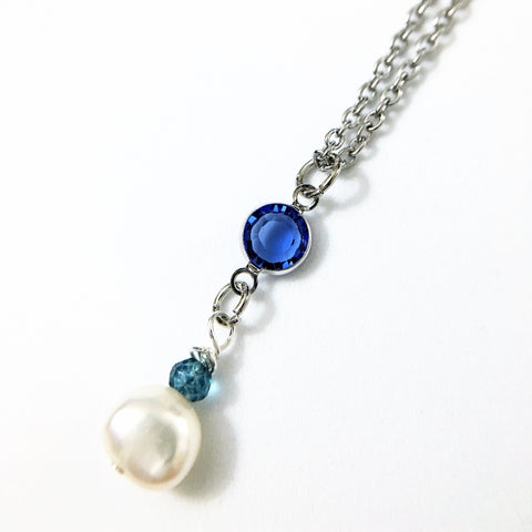 Blue and Pearls Pendant Necklace