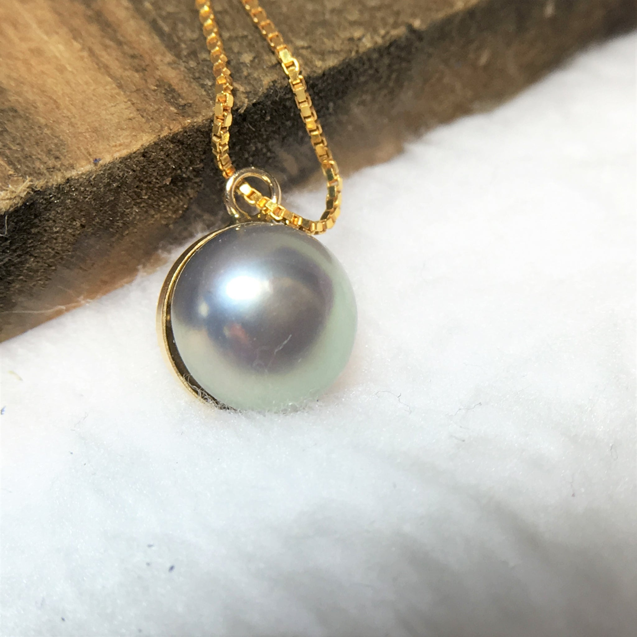 Single Pearl Pendant Necklace for Women in 14Kt Gold Filled Chain