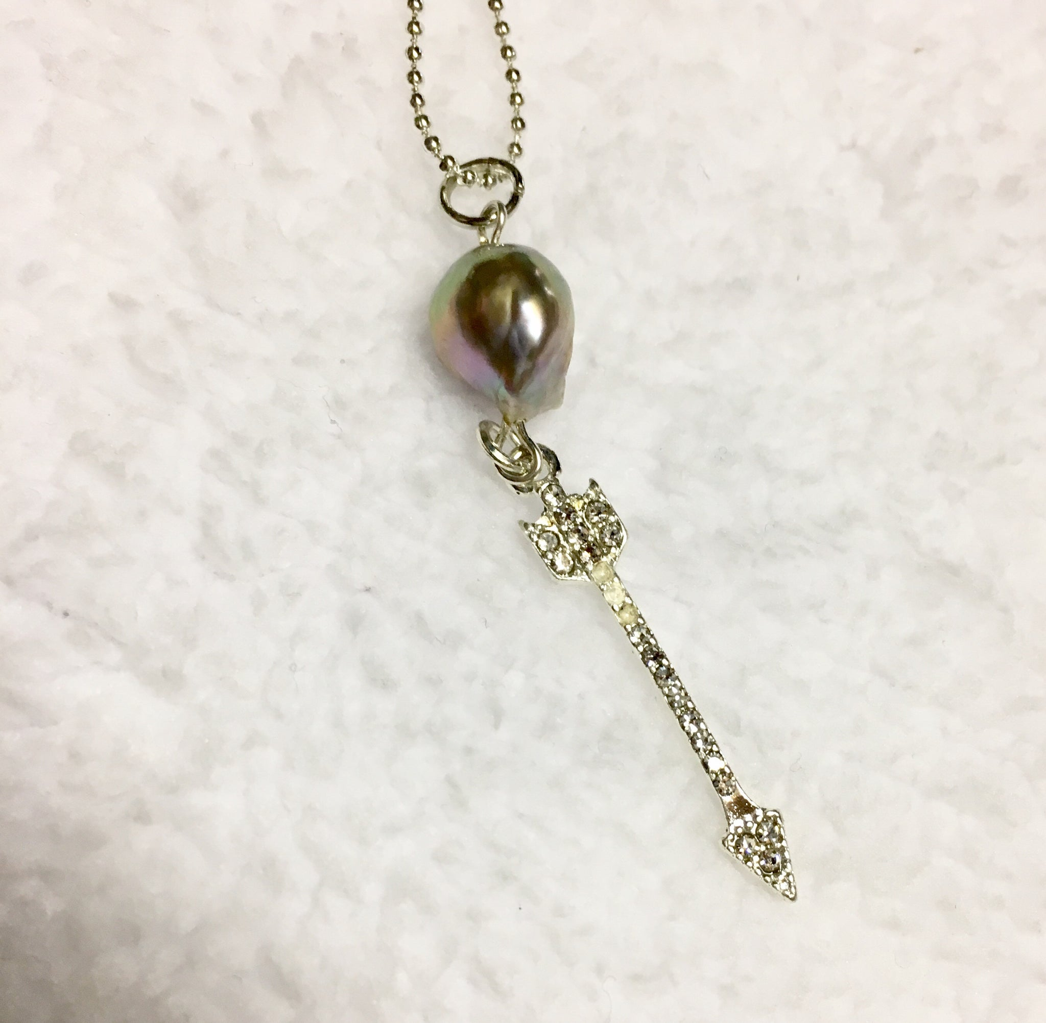 Arrow &  Pearl  Necklace