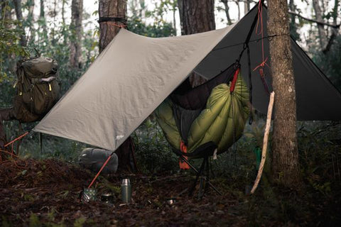 92db0a6c5f2 Winter hammock camping  a guide to how to stay warm and cozy ...