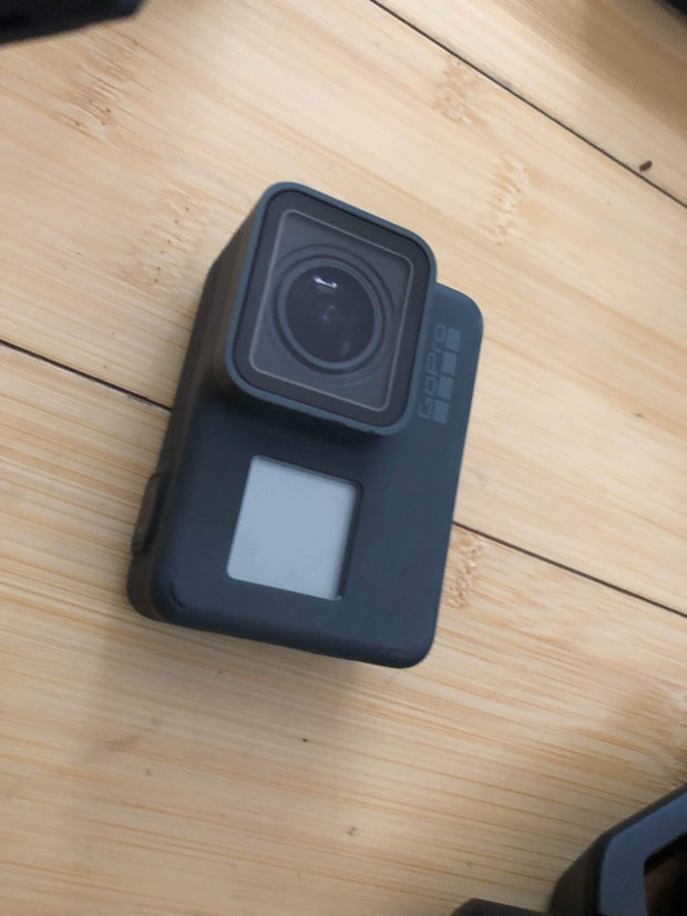 Madera Outdoor Garage USED - Excellent condition | GoPro Drone | Hero 6 | Grip | stabilizer | gopro battery | 4 drone batteries | controller | case