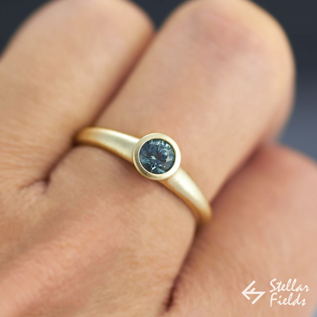 Bezel Ring Round Blue Sapphire in 14k 18k Yellow Gold or Platinum